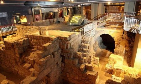 atr-herodian-quarter-wohl-museum-of-archaeology-1